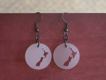 NZ earrings – white