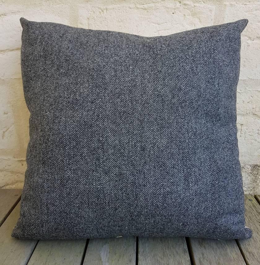 Hare cushion - square