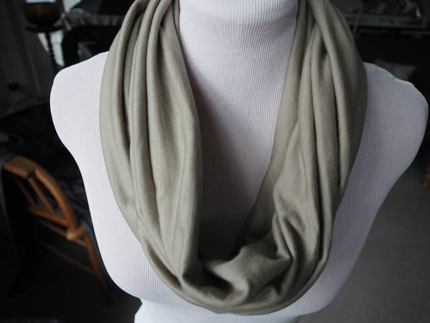 Merino wool infinityscarf