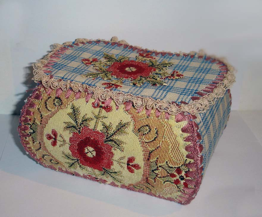 shabby chic crochet trinket box felt. Black Bedroom Furniture Sets. Home Design Ideas