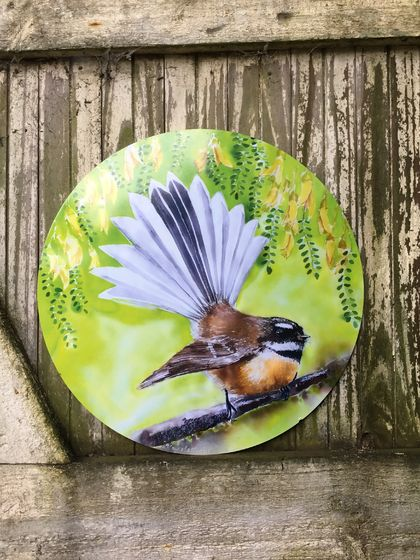 New Zealand FANTAIL BIRD, CIRCLE OUTDOOR, Garden or Inside Wall ART Panel. 30cm Diameter