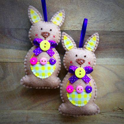 Easter Bunny - Basket