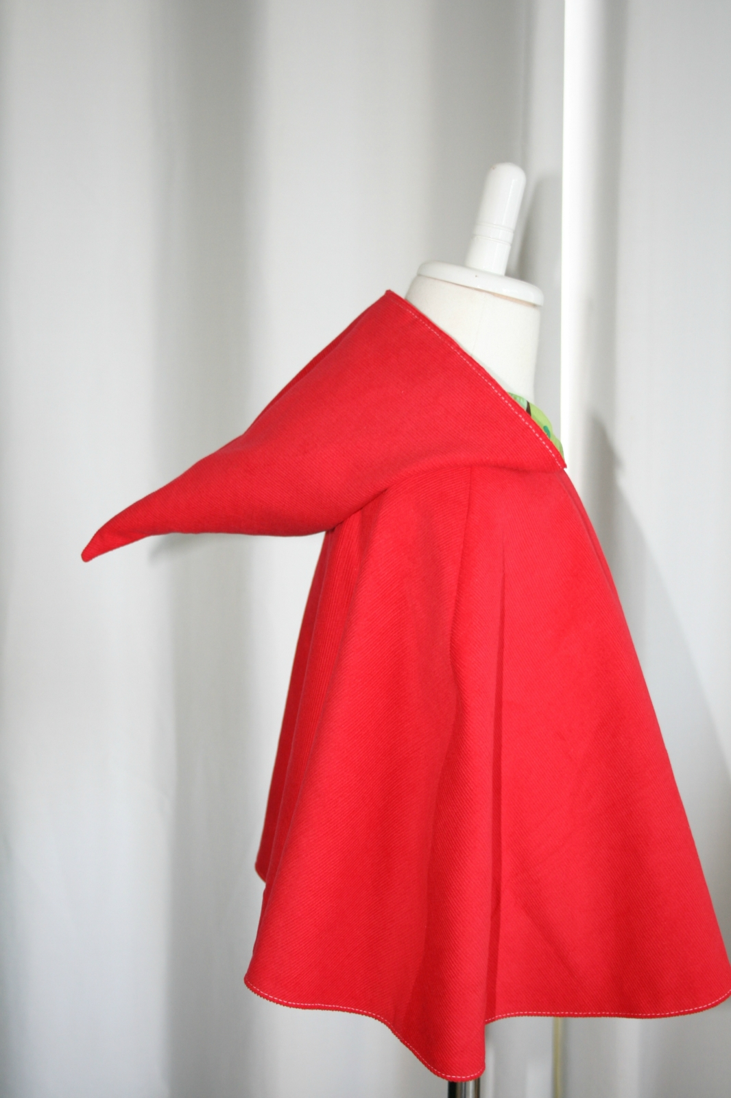 Red woodland cape with pixie hood small felt for Small cape