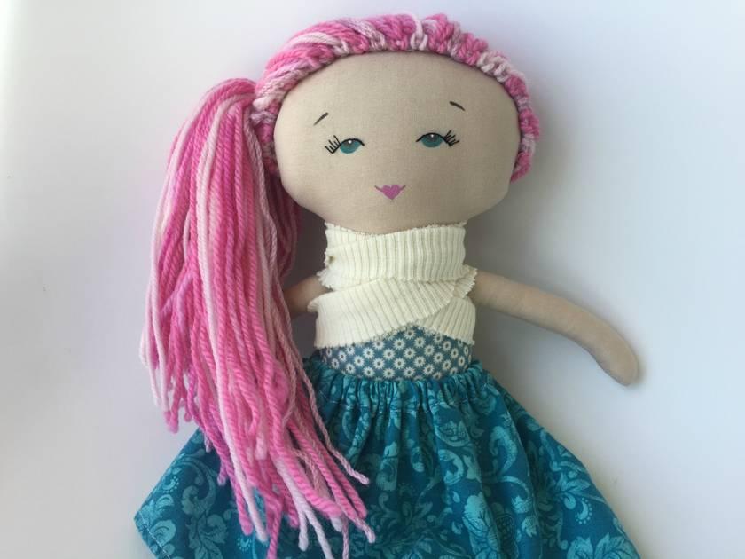 ZEALOUS DESIGN HEIRLOOM VINTAGE DOLL - pink hair