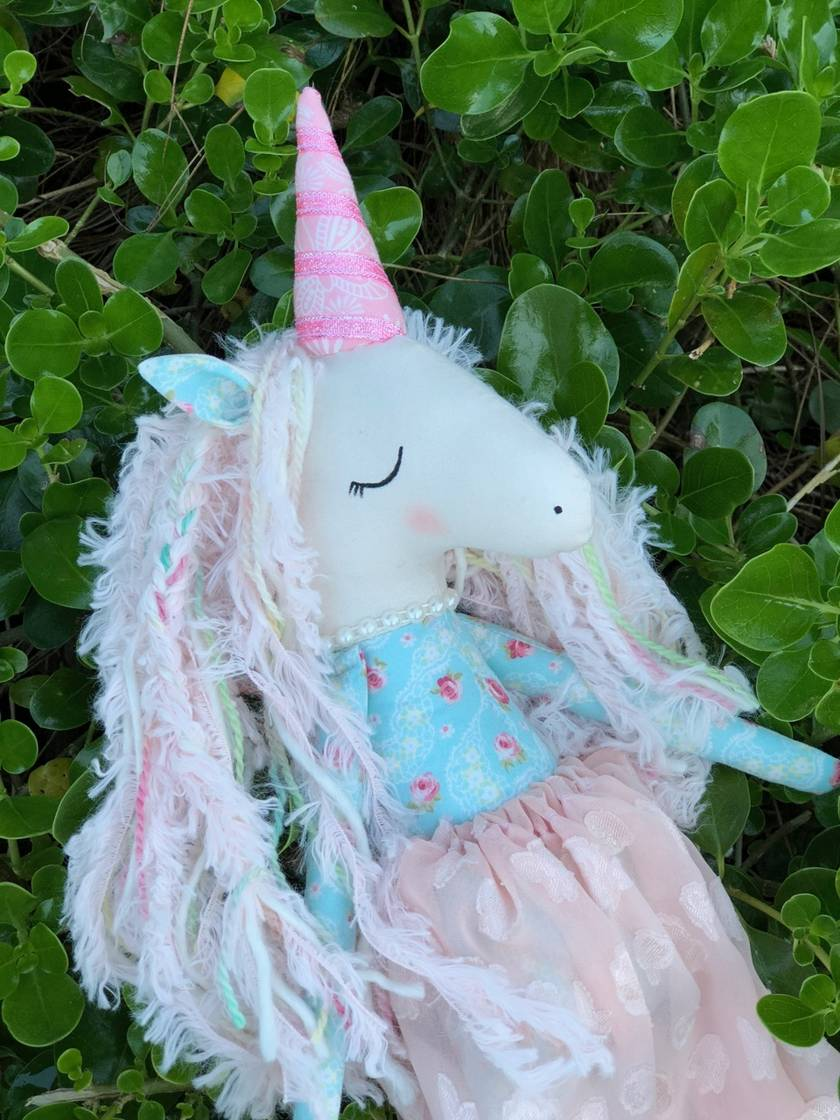 ZEALOUS DESIGN HEIRLOOM UNICORN - Penelope Peach