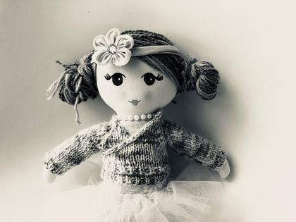ZEALOUS DESIGN HEIRLOOM DOLL - Bella