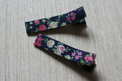 Navy blue and pink floral print hairclips