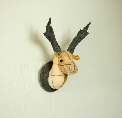 Deer Head Wallhanging,Caramel Square
