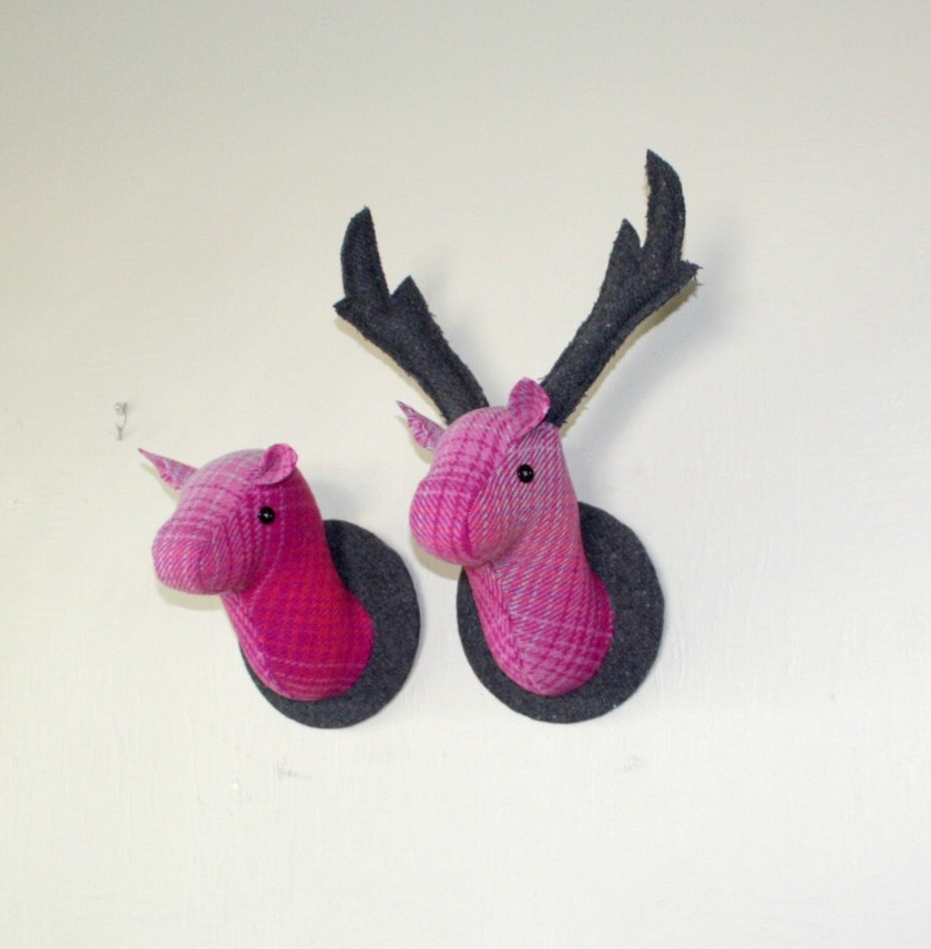 Doe-a-Deer Wall Hanging, Dearly Pink.