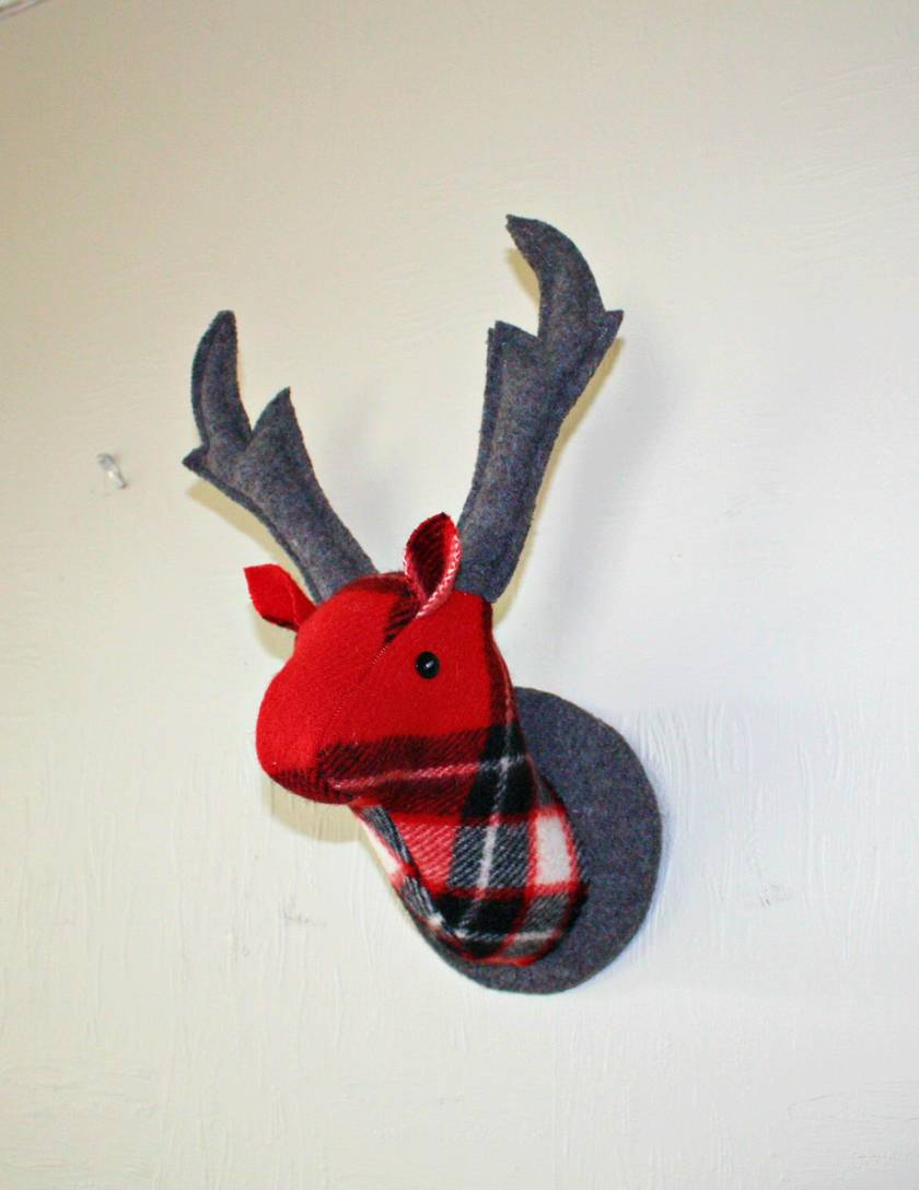 Deer Head Wallhanging, Celebration Red
