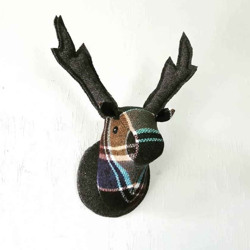 Deer Head Wallhanging,Glen