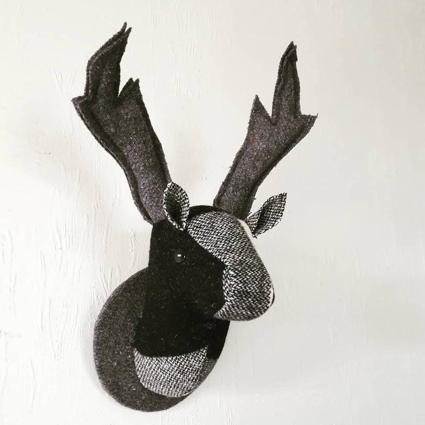 Deer Head Wallhanging, Clutha