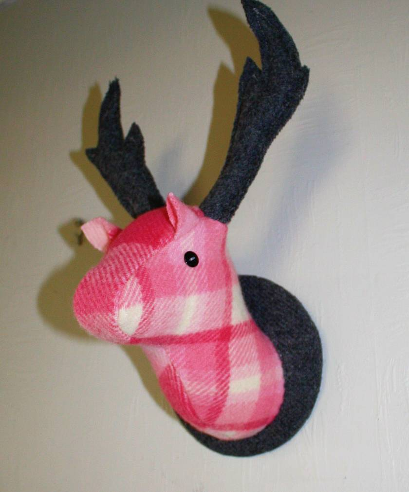 Deer Head Wallhanging, Bubble