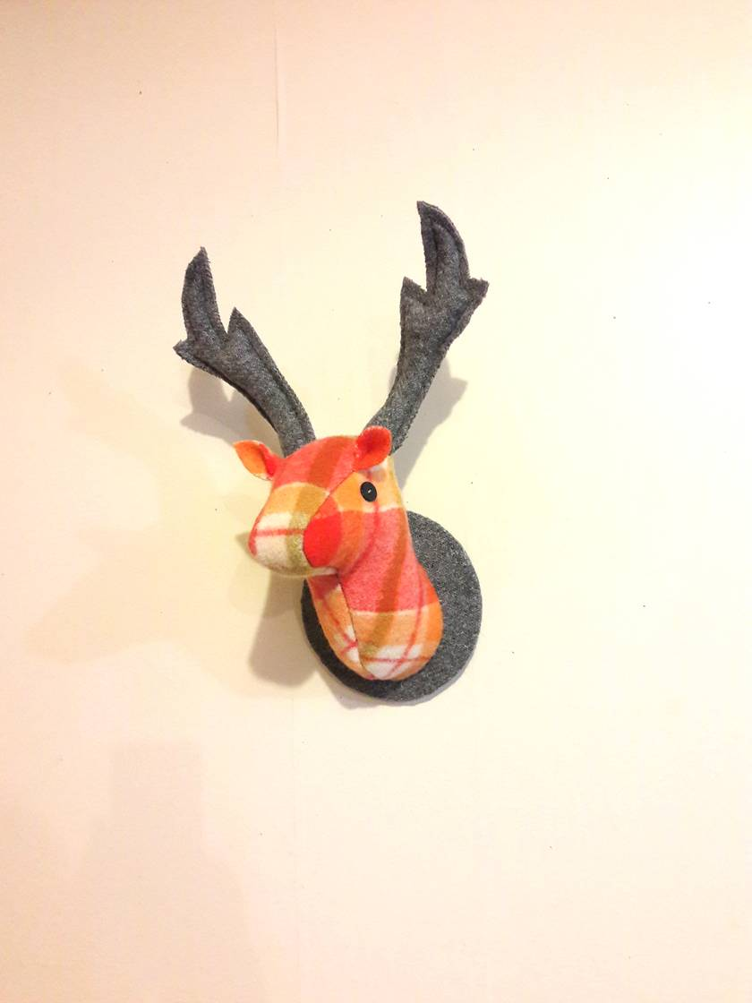 Deer Head Wallhanging, Tropicana