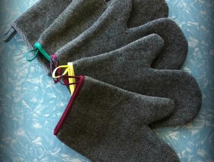 Vintage Grey Wool Blanket Oven Glove
