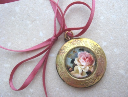 Vintage Rose Locket