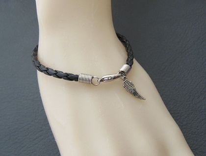 Braided leatheroid bracelet: black imitation leather with silver-coloured clasp and angel wing