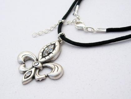 Fleur-De-Lys Argent: heraldic silver pendant with rhinestones