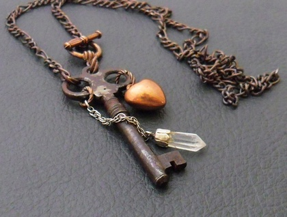 The Clockmaker's Heart: vintage-inspired necklace with quartz crystal, old key and copper heart