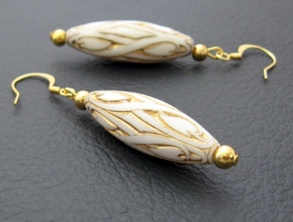 Ivory And Gold earrings: elegant, cream-coloured vintage beads with gold-plated hooks – last pair!