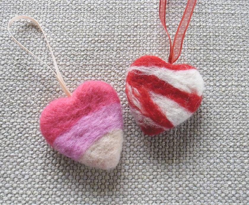 Needle-felted heart ornaments in pinks and red – choose your colour! Valentine's Day special