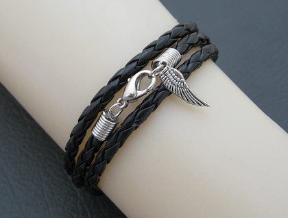 Leatheroid Triple Wrap Bracelet: black imitation leather with silver-coloured clasp and angel wing
