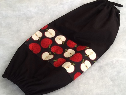 Plastic Bag Holder - FREE POST  - NEW AND SMART - ROSY RED APPLES