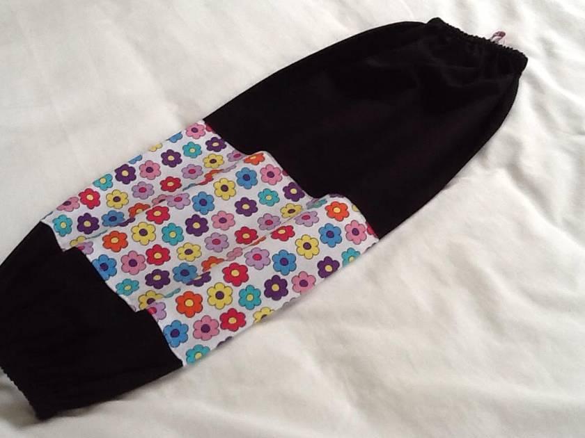 Plastic Bag Holder  -  RETRO FLOWER TRIM