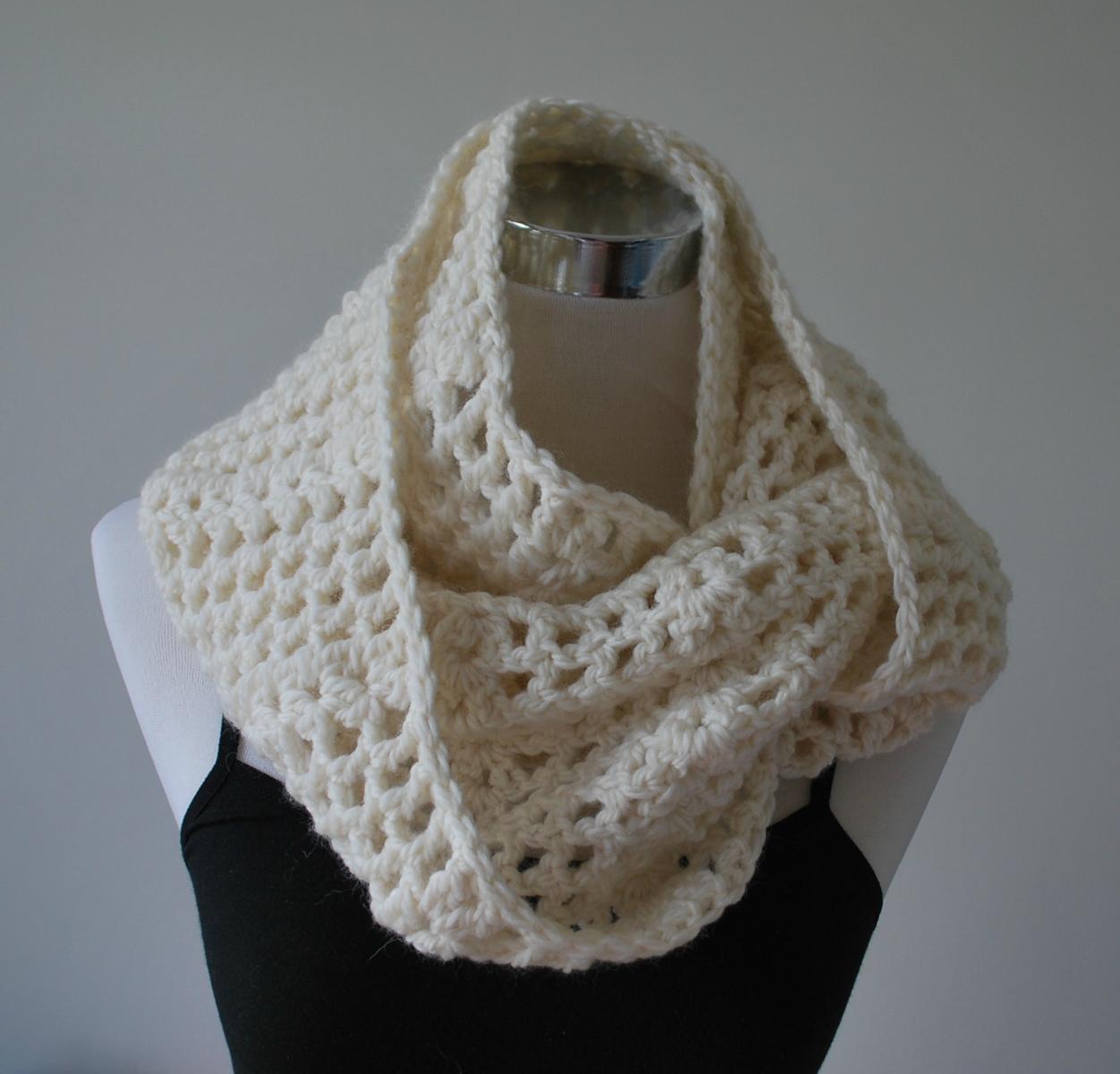 chunky crochet infinity scarf felt