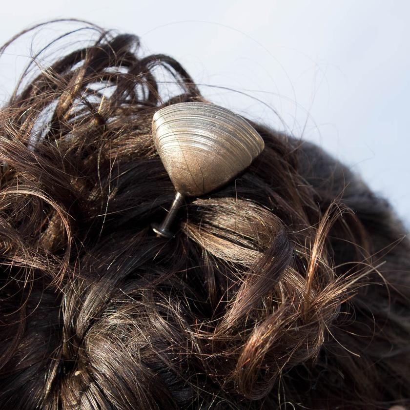 Kaikaikaroro Triangle Shell Hair Stick