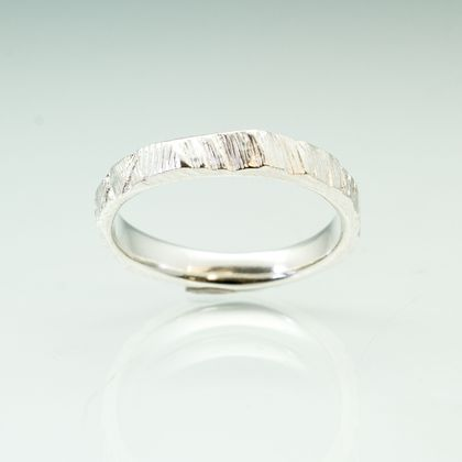 Narrow bark textured ring in Sterling Silver