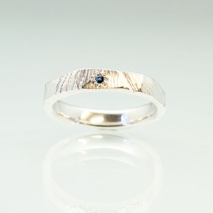 Bark textured ring in Sterling Silver, with Ceylon Sapphire