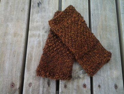 Log Cabin fingerless wool mitts – chocolate brown and woodland bark tweed