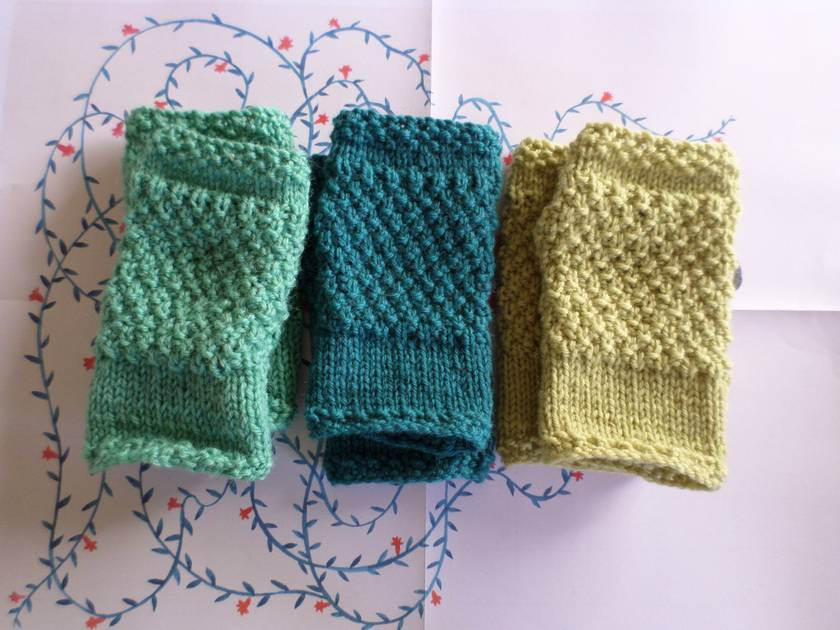 Log Cabin teal blue fingerless mitts – knitted from pure NZ wool