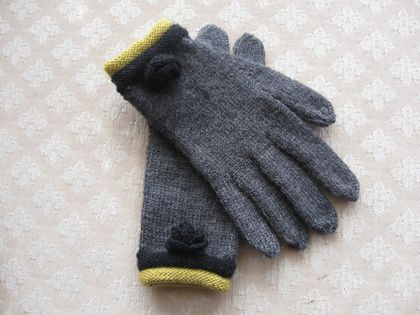 CLASSIC GREY LADIES GLOVES