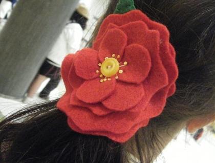 Pink felt camellia hair tie / brooch
