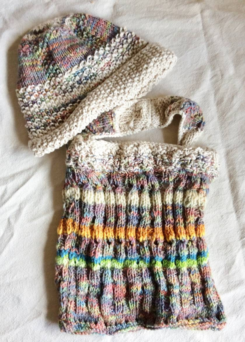 """""""Sandy Coral Islands"""" knitted hat"""