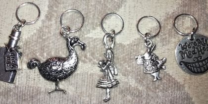 * Cute Tibetan Silver metal ALICE IN WONDERLAND themed stitch markers for knitting - set of 5 *
