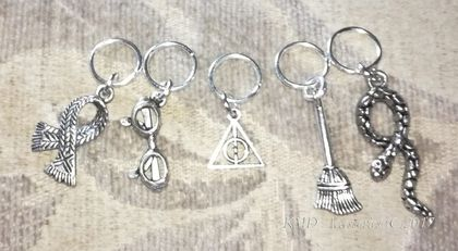 * Cute Tibetan Silver metal HARRY POTTER themed stitch markers for knitting - set of 5 *