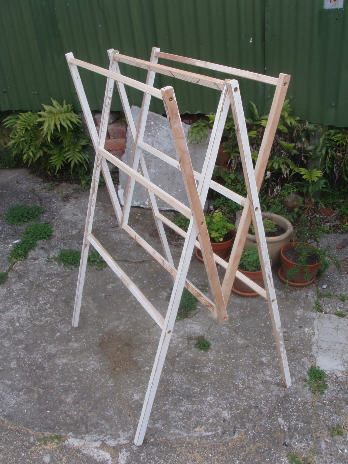 Pin wooden clothes rack for bedroom plans on pinterest for Wooden clothes drying rack plans