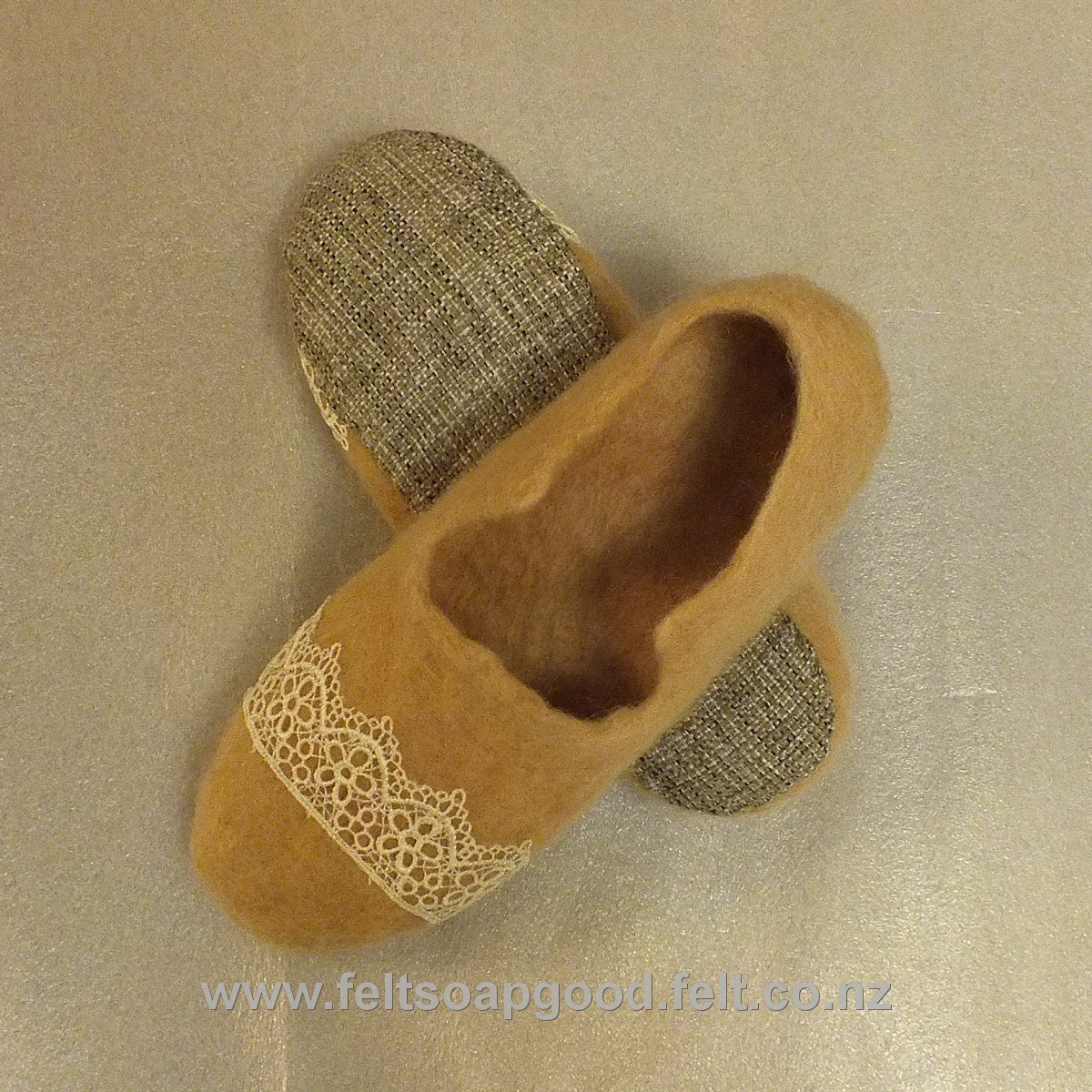 dedcf79e87c17 Felt slippers Organic 100 % New Zealand pure wool felting natural ...