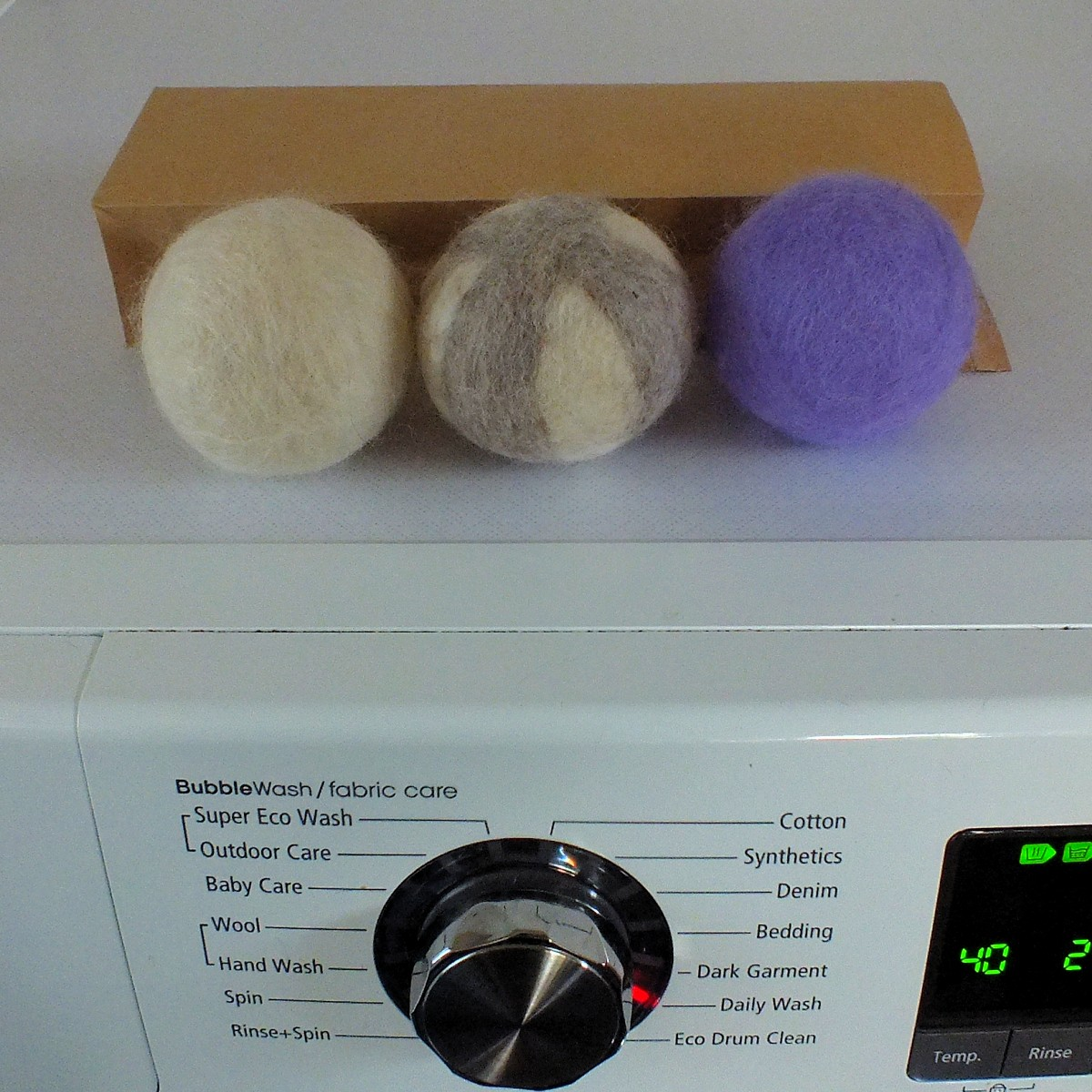 how to make wool balls for dryer