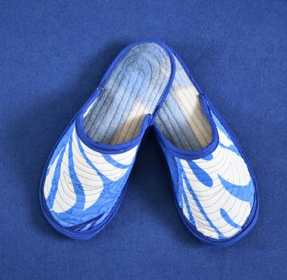 Pacifica meets Kiwi quilted slippers made of upcycled wool blanket by FeltSoapGood