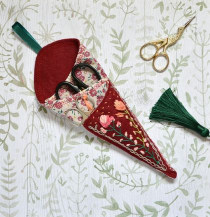 Scissors case Rose Victorian style hand embroidery by FeltSoapGood
