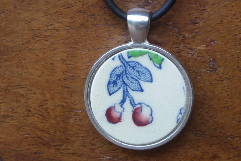 Beautiful Mason China Pendant (P27)