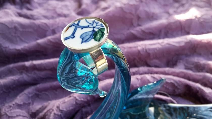 Beautiful ring (R38)