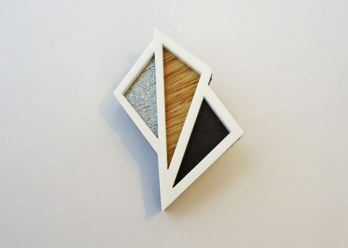 Geometric art deco oak brooch | Felt