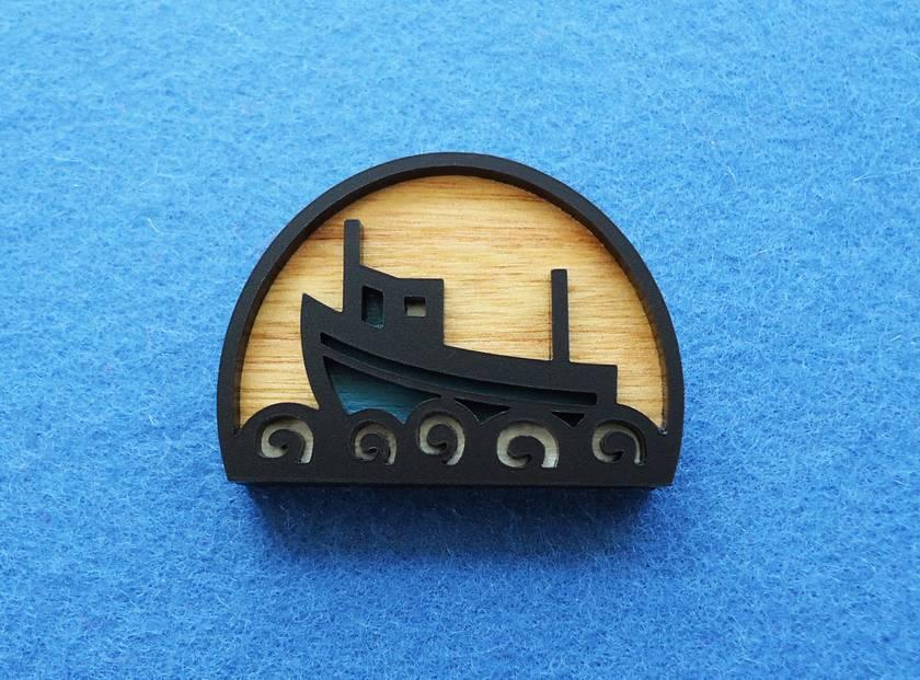 Fishing boat brooch - blue