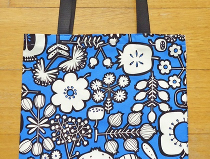 Blue and black graphic print tote - plants