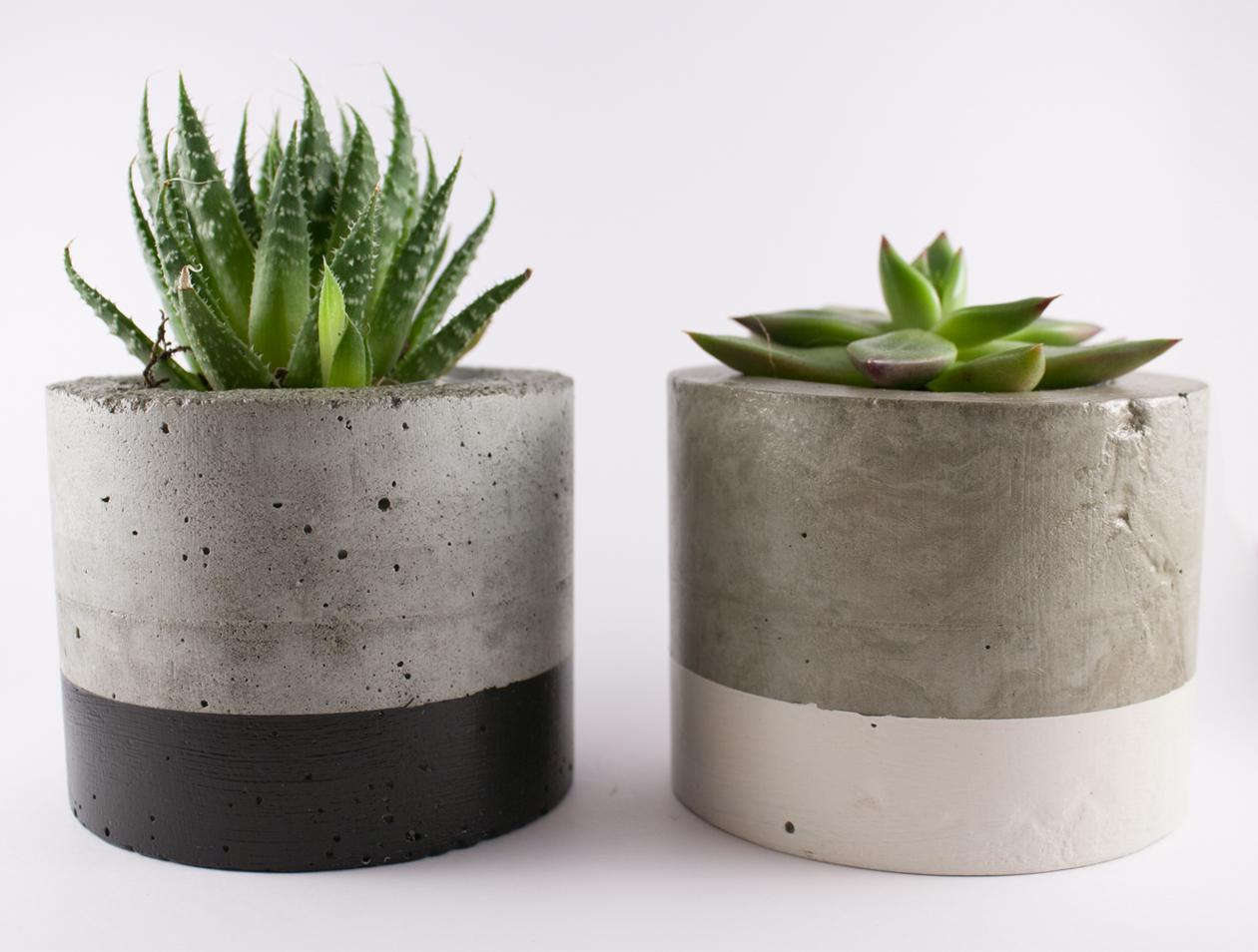 Paint dipped concrete planter pot black felt for Garden pot
